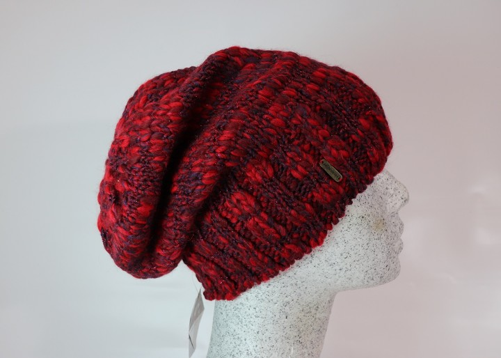 A Morelli Slouch in rot