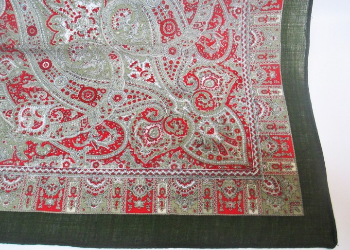 Wolltuch oliv Paisley in rot - weiß